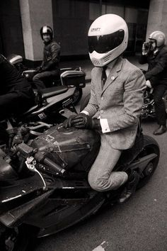 4h10.com - Bikes, Lifestyle & More.  /  The Distinguished Gentleman's Ride !!!