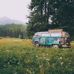 Hippie Things // Sunshine Daydream by Indigo Sunshine // Volkswagen bus life travel adventure life travel bucket lists life travel hippie life travel ideas life travel trips 70s Aesthetic, Summer Aesthetic, Aesthetic Pictures, Purple Aesthetic, Bus Volkswagen, Vw T1, Vw Camper, Volkswagen Beetles, Cute Vans