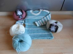 Handgestrickte Pullover, Hand Knitted Sweaters, Hand Knitting, Etsy, Throw Pillows, Color, Simple Machines, Worth It, Craft Gifts