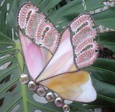 Tiffany trifft Klöppel - Fensterbilder Tiffany, Crochet Butterfly, Lace Heart, Lace Jewelry, Bobbin Lace, Lace Detail, Stained Glass, Glass Art, Modern