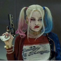 ❤❤❤#thecrazyones #suicidesquad #harleyquinn #joker #geek #batman #jaredleto #dccomics #dc #girlpower #thejoker #margotrobbie #art #sketch #cosplay #suicidesquad2016 #comiccon #comics #quinn #queen #justiceleague #makeup #arkhamknight #superman #wonderwoman #thedarkknight #catwoman #superheroes #harley #margotrobbieharleyquinn