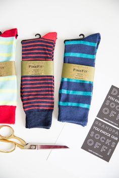 Clever Father's Day gift idea-You Knock Our Socks Off! Attach these sock wrappers to some cool socks for dad- it's a practical gift they'll love! Practical Gifts For Men, World's Greatest Dad, Cool Socks, Happy Father, Knock Knock, Fathers Day Gifts, Dads, Free Printables, Festive