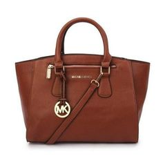 WORLDWIDE FREE SHIPPING   Beautiful Michael Kors Brown Sophie Bag For Sale   ($199.98)--- $56.99 Save: 68% off  Condition: New with tags Handbag Use: Daytime Size: Medium  Item Type: Handbags Size: Me