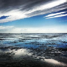 via Instagram gluecksmari: #northsea #lowtide #überwasser