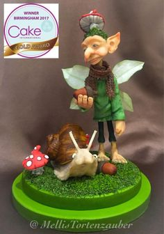 This was my little piece for the international cake show in Birmingham. It was such a great week there and my little gnome won gold there. It was a heart piece which I enjoyed a lot. Cake Show, Awesome Cakes, Creative Words, Gum Paste, Clay Creations, Exhibitions, Daily Inspiration, Gnomes, Tinkerbell