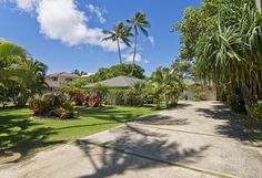 This oceanfront Hawaii Kai rental offers traditional Hawaiian Luxury…. green lawns, blue ocean, tropical breezes. Enjoy full panoramic views of the Bay and Diamond Head as well as a rare easterly perspective of evening Sunsets.