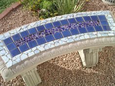 Kinda looks like a lap pool & I'm going to use this for my front porch steps Mosaic Garden Art, Mosaic Flower Pots, Mosaic Diy, Mosaic Crafts, Mosaic Projects, Mosaic Tiles, Tiling, Stone Mosaic, Mosaic Glass