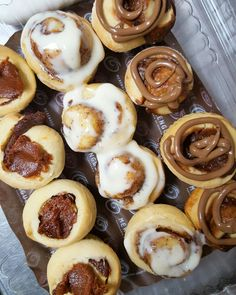 Cinnamon rolls, guava rolls and chocolate rolls ☺ Pastry And Bakery, Pretzel Bites, Cinnamon Rolls, Doughnut, Bread, Chocolate, Desserts, Food, Tailgate Desserts