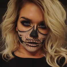 Make-up for Halloween-Halloween ideas for costumes. Make up inspira , Make-up for Halloween-Halloween ideas for costumes. Make-up inspira - # costumes Costume Halloween, Halloween Zombie, Halloween Inspo, Halloween Makeup Looks, Amazon Halloween, Halloween Skeleton Makeup, Halloween Stuff, Halloween Makeup Tutorials, Halloween Makeup Last Minute