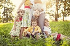 The Crafted Sparrow: Top 10 Family Picture Poses  Ideas