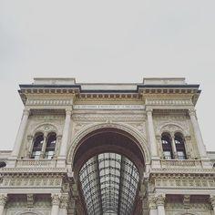 Galleria Vittorio Manuele, Milano #milano #sky #buongiorno #igersmilano #architecturelovers #loves_lombardia #galleriavittorioemanuele  #volgomilano #italian_trip #lombardia_super_pics #architecture #igersitalia