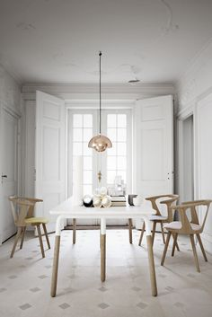 tradition IN BETWEEN chair upholstered seat, RAFT Table, FLOWERPOT Lamp