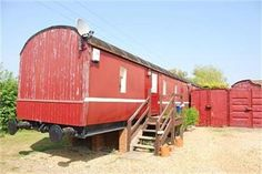#1950's railway carriage converted into a house!