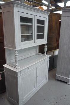 rénovation et relooking de vieux meubles pour une déco élégante et ... - Meuble De Cuisine Ancien