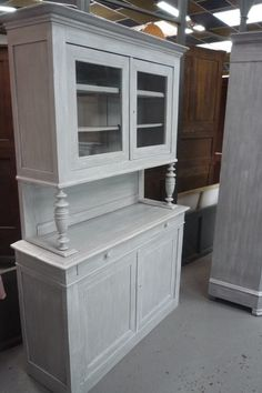 1000 id es sur le th me meubles anciens sur pinterest antiquit s meubles et meubles shabby chic. Black Bedroom Furniture Sets. Home Design Ideas