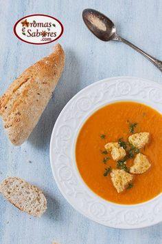 Sopa de cenouras caramelizadas com gengibre