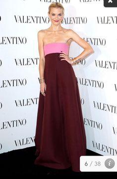 Valentino HAUTE COUTURE Fashion show.