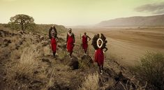 Tarangire, Rift Escarpment, Tanzania 2010 by Jimmy Nelson Tanzania, Kenya, Tribu Masai, Papua Nova Guiné, Jimmy Nelson, Indigenous Tribes, Great Warriors, Portraits, We Are The World