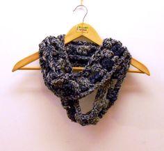 Sciarpe all'uncinetto - grossa sciarpa uncinetto infinity,colori tendenza - un prodotto unico di cosediisa su DaWanda