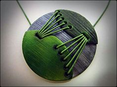 http://www.facebook.com/Nevenue Polymer Clay Pendant  Pendentif - Vert - Polymère