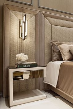Contemporary bedroom interior design that very cozy 12 Bedside Table Design, Mirror Bedside Table, Console Tables, Dining Table, Classic Interior, Bedroom Classic, Modern Interior, Contemporary Bedroom, Contemporary Design