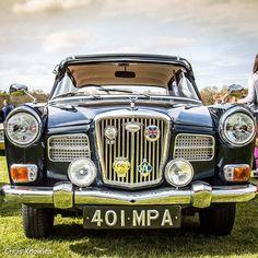 Classic European Cars, Classic Cars, Van Car, Car Badges, Cars Uk, Hood Ornaments, Commercial Vehicle, Nice Cars, Grills
