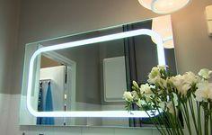 Valoa kylpyhuoneeseen tuo myös peili  #kylppäri #kylpyhuone #bathroom #sisustusminna #sisustussuunnitteluminna #värikäs #colourful #iloinen