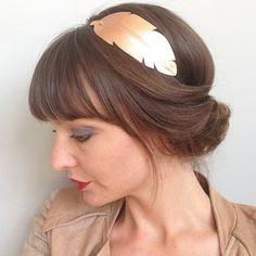 "Head-band en CUIR ""plume"" ---> Champagne rosé brillant  : Accessoires coiffure par lucky-rosetta"