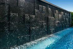 Backyard Pool Designs, Swimming Pools Backyard, Water Wall Fountain, Modern Water Feature, Outdoor Wall Fountains, Pool Water Features, Indoor Waterfall, Water Walls, Modern Landscaping