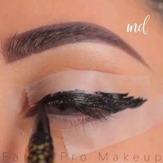 eyeliner hacks for beginners . eyeliner hacks for beginners videos Eyeliner Hacks, Eyebrow Makeup Tips, Makeup 101, Eye Makeup Steps, Makeup Eye Looks, Beautiful Eye Makeup, Smokey Eye Makeup, Skin Makeup, Eyeshadow Makeup