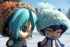 He's also an outstandingly great Nendoroid, and a must-have for Vocaloid fans, Nendoroid fans, and general fans of things that end in -oid. Description from tomopop.com. I searched for this on bing.com/images