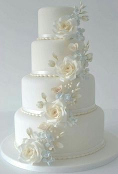 Best white wedding cake design for traditional wedding 72 Amazing Wedding Cakes, White Wedding Cakes, Elegant Wedding Cakes, Rustic Wedding, Fake Wedding Cakes, Wedding Sweets, Wedding Cookies, Wedding Reception, Wedding Venues