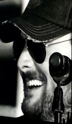 Love that smile...Eric Church