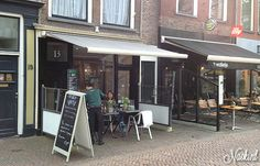 Restaurant 'Natuurlijk 015' in Delft. Naturally, Healthy, Vegetarian and Vegan food. We are located in the heart of Delft steps away from the 'Grote Markt' and 'Cattle Market' Our spacious courtyard offers place in the sun and in the shade of the 'Maria Jessenkerk'! Address Burgwal 11.