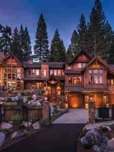 Lodge style home blends rustic-contemporary in Martis Camp Cool House Designs, Modern House Design, Haus Am See, Contemporary Barn, Lodge Style, Log Cabin Homes, Dream House Exterior, Dream Home Design, Interior Exterior