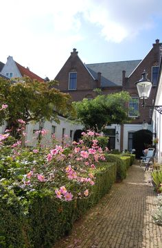 Hofje In Den Groenen Tuin 1616. Lovely to be here. I took this picture Rudolfien Berkhout