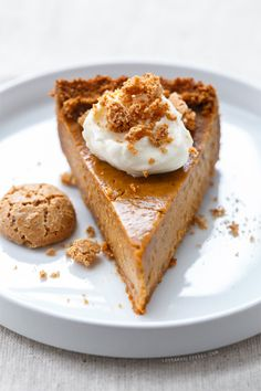 Amaretti Pumpkin Pie, a new twist on a #Thanksgiving classic. If you love almond flavor you'll LOVE this pie!