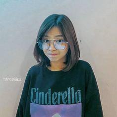 Funny Lockscreen, Filipino Girl, Trinidad, Cute Wallpapers, Kos, Cute Girls, Mirrored Sunglasses, Actresses, Night