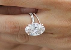 Blake Lively's Lorraine Schwartz engagement ring - The Daily Jewel