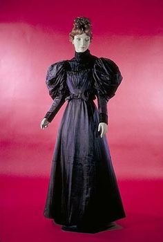 Silk Dress, 2-Piece Catalogue number: CS*035346 Date: 1894-1897 Maker: Unknown