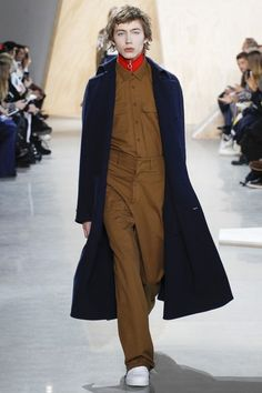 See the complete Lacoste Fall 2016 Ready-to-Wear collection.