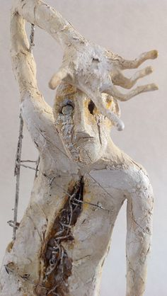 "Pablo Hueso. ""Worker"" Figura Ne332. 2016. Arcilla polimérica. Acrílico y barnices. Acero. 45 x 15 x 15 cm. http://www.pablohuesoart.com"