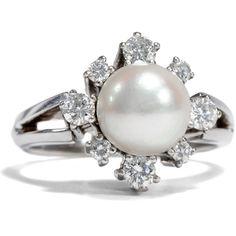 Diamonds and Pearls - Eleganter Weißgold-Ring mit Perle & Diamanten, Deutschland um 1975 von Hofer Antikschmuck aus Berlin // #hoferantikschmuck #antik #schmuck # #antique #jewellery #jewelry // www.hofer-antikschmuck.de (21-2608)