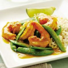 Clean Eating Sugar Snap Pea & Shrimp Curry Recipe. Re-pin now, check it later. #cleaneating