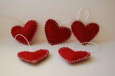 DIY Christmas felt ornament hearts
