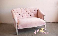 🏫Uzal 4290 Olivos (a cuadras de Unicenter). ⏰Lunes a viernes de 9 a 19.30hs, Sabados de 9 a 19hs y domingos de 14 a 18.30hs 📲💸Consultas de precios a info@jazmeendeco.com.ar. 🚚 Hacemos envíos a todo el país . #design #sillones #silla #sillon #deco #patchwork #interiordesign #diseñodeinteriores #muebles #furniture #Jazmeen