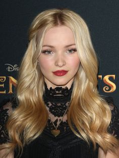 Dove Cameron at the 2015 premiere of 'Descendants'. http://beautyeditor.ca/2015/08/01/best-celebrity-beauty-looks-abbey-lee-kershaw