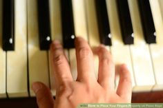 Image titled Place Your Fingers Properly on Piano Keys Step 3