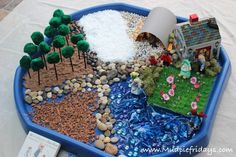 Going on a Bear Hunt Small World Play - ideal activity for preschoolers and toddlers - tuff spot Eyfs Activities, Nursery Activities, Preschool Activities, Preschool Learning, Indoor Activities, Summer Activities, Family Activities, Gruffalo Activities, Children Activities