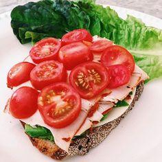 Salsalito turkey, avocado, provolone, tomatoes, & lettuce on sourdough